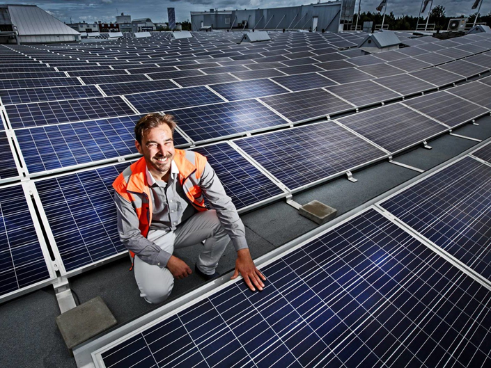How to reduce electric costs and gain tax benefits by doing so? With solar energy as a Service